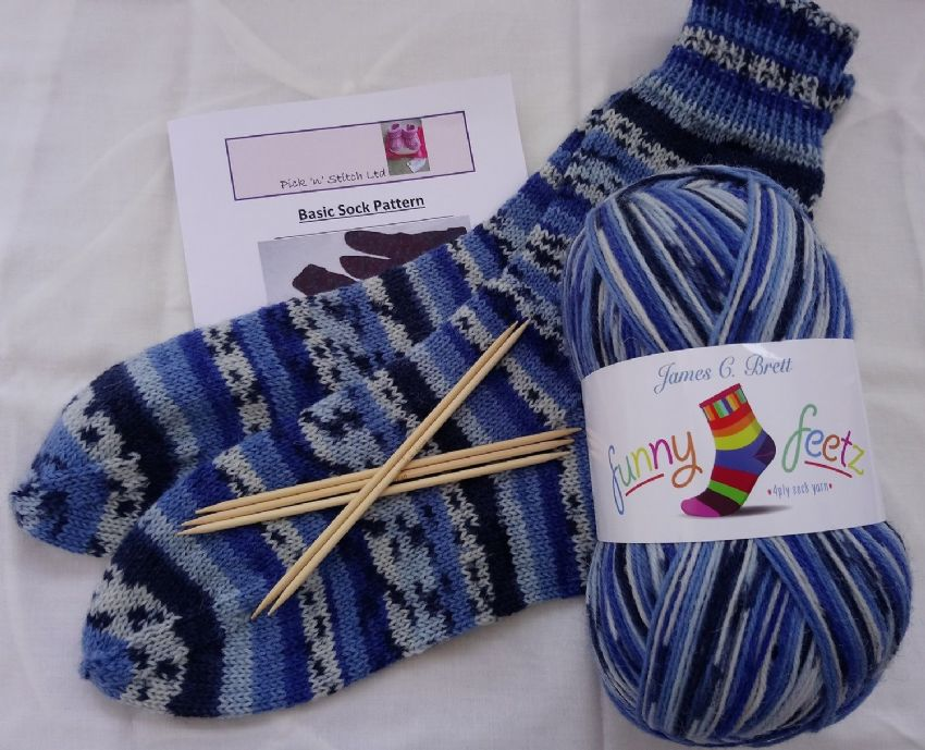 Sock Funny Feetz knitting kit